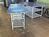 Mesas com revestimento inox