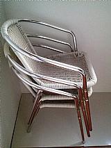 Cadeira de aluminio e ratan branco