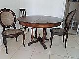 Mesa com cadeiras em madeira jacaranda