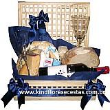 Cesta de queijos e vinho em higienopolis