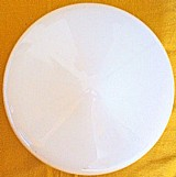 Cupula de vidro leitoso para teto,  modelo diamante,   (d 20cm x a 13cm)
