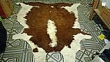 Tapete de couro bovino com pelos