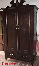 Roupeiro antigo de madeira nobre restaurado
