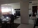 Excelente apartamento na varjota,  a 05 quadras da beira mar,  todo reformado.