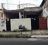 Vende-se uma casa e um terreno