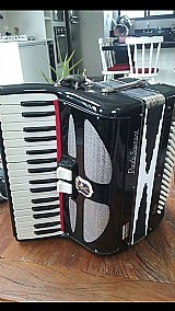 Acordeon - sanfona - paolo soprani 80 reduzida