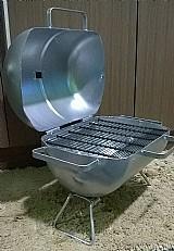 Churrasqueira pequena no bafo,  de botija de ar. refrigerado