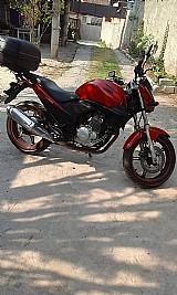 Cbr 300 vermelha ano 2010