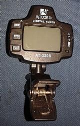 Afinador at-320b. usado.