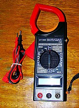 Alicate amperômetro dt-266. novo.