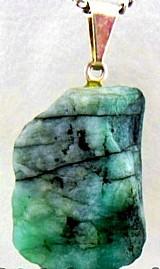 Pingente esmeralda pedrinha mineral natura, cordao em couro
