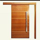 Portas e batentes de madeiras