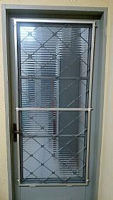 Tela mosquiteira em aluminio reforcado e fibra de vidro para portas,  janelas e sacada
