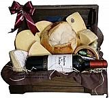 Cesta de queijos e vinho casilleiro del diablo