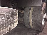 Caminhao ford cargo 1517 4x2 ano 2009 equipado com bau de aluminio  revisado