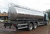 Tanque pipa para transporte de água.