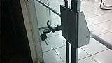 Barra antipanico para porta de vidro