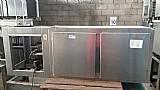 Balcao refrigerado encosto de inox 2 portas 11