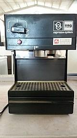 Cafeteira illy expresso system capsula