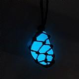 Colar de pedra castroada,   brilha no escuro,   azul brinde