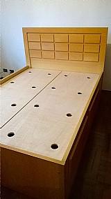 Cama de casal (2, 05 m x 1, 50 m) com 4 gavetas,   feita sob encomenda.