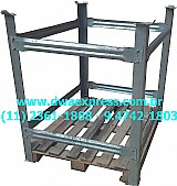 Rack de metal empilhavel usados