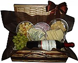 Cesta de queijos e vinhos comemorar