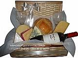 Cestas de queijos e vinhos master