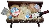 Cesta de queijos e vinhos no jardim da gloria-frete gratis