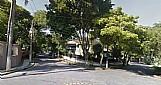 Casa de esquina pacaembu nobre sp frente para praca