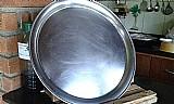Bandeja para pizzas em aluminio usada