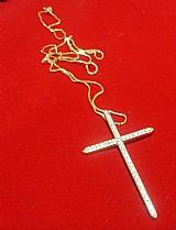 Gargantilha 60cm e cruz com zircônias folheado a ouro 18k