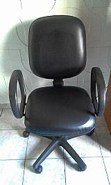 Cadeira nova de computador com nota fiscal