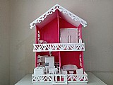 Casinha de bonecas em madeira com 2 andares (mobiliada)