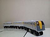 Trem de brinquedo em madeira pura