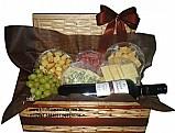 Cestas de queijos e vinhos em moema (11)96938-0796 whatsapp.