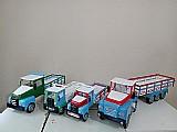 Caminhoes de brinquedo em madeira pura (varios tamanhos)