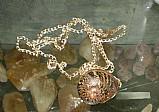Colar bronze pingente helix aspersa