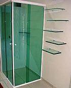 Vidracaria, manutencoes e servicos em geral em vidro.