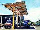 Sistema de carga e descarga para caminhoes