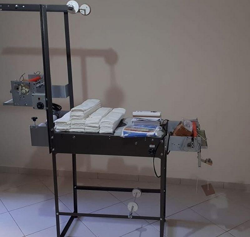 Maquina de fralda com barreira anti-vazamento