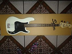Fender Squier Precision Bass - Vintage Modified