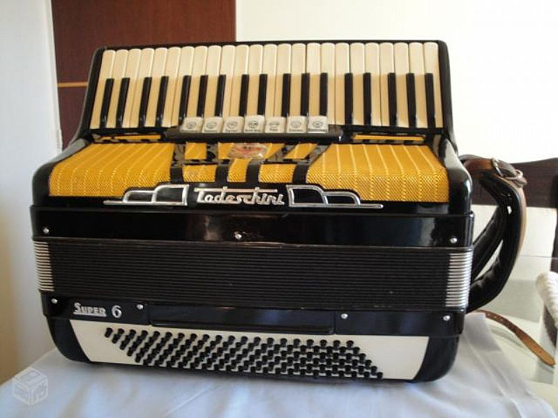 Acordeon Todeschini super 6