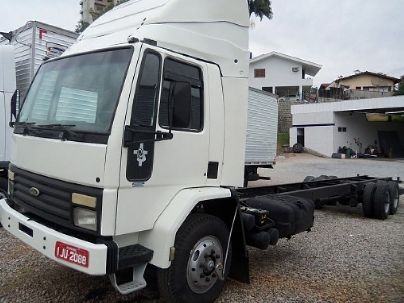 Ford Cargo 1215 truck chassi alongado 11, 5m  2000