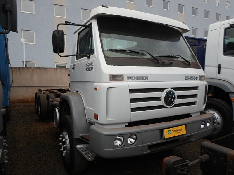 Caminhao vw 26-260 worker 6x4 ano 2008/2009