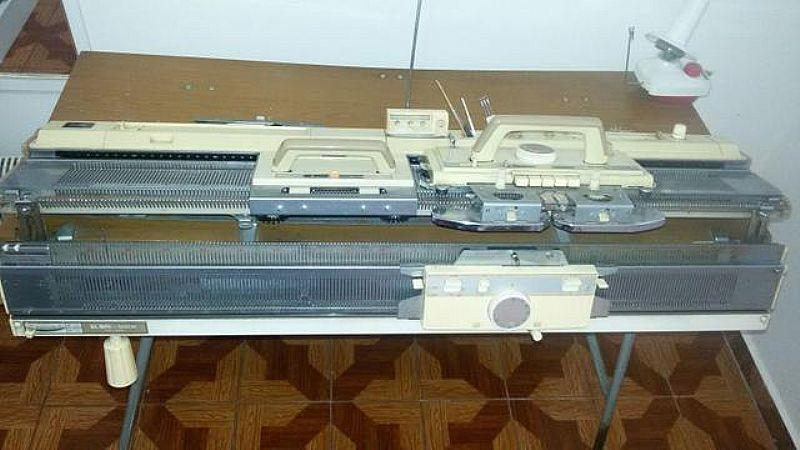 Maquina de Tricô Elgin Brother 840