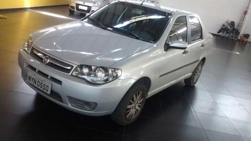 Fiat Siena branco 2010/2011 - 2011