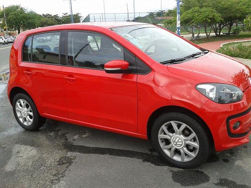Volkswagen Up vermelho - 2015