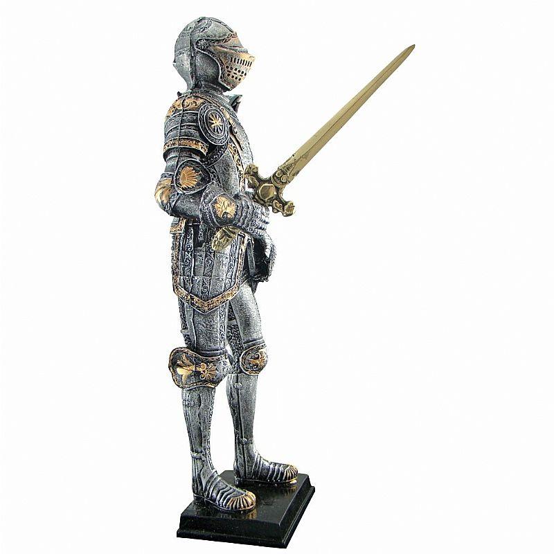 Guerreiro Medieval Com Espada Em Punho - Estatueta