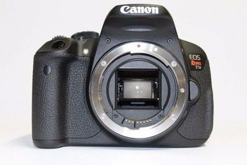 Camera Digital Canon Eos T5i Corpo